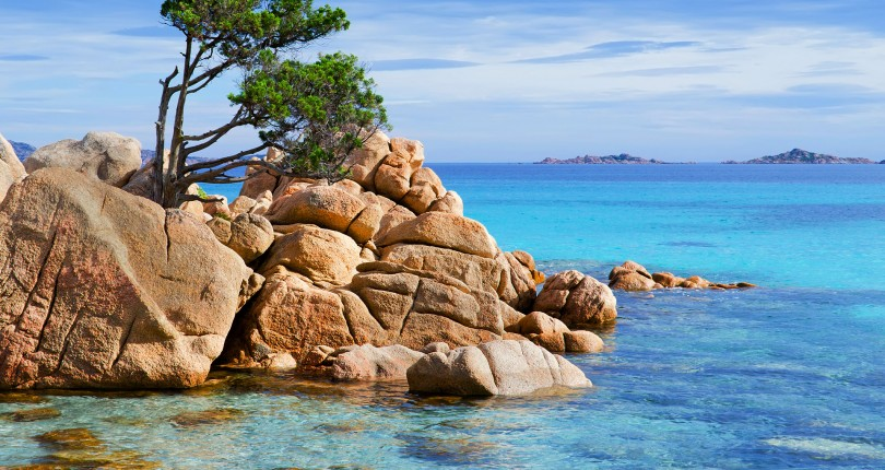 Exclusive accommodation in Costa Smeralda to enjoy all the beauty of the Italian summer